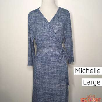 Michelle (L)