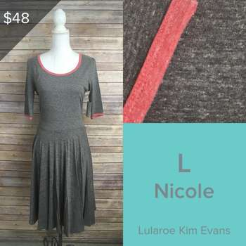 Nicole (L)